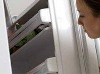 Холодильник щелкает: в чем причина?