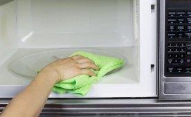 Как избавиться от запаха в микроволновой печи