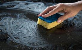 Как очистить керамическую поверхность от остатков жира и нагара.