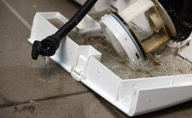 Как почистить сливной фильтр в стиральной машине.