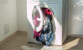 Чим загрожує перевантаження пральної машини?